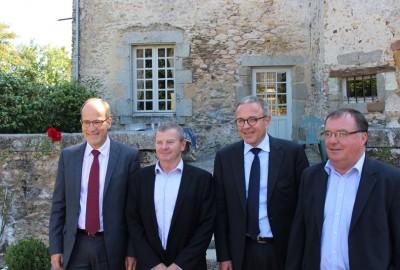 De gauche à droite : Hervé Scoarnec, directeur général de la CAM, Michel Foucher, président de la CAM, Maxime Vandoni, directeur général de Terrena et Hubert Garaud, président de Terrena